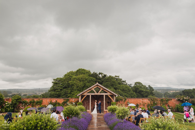 Upton Barn wedding photography rainy ceremony