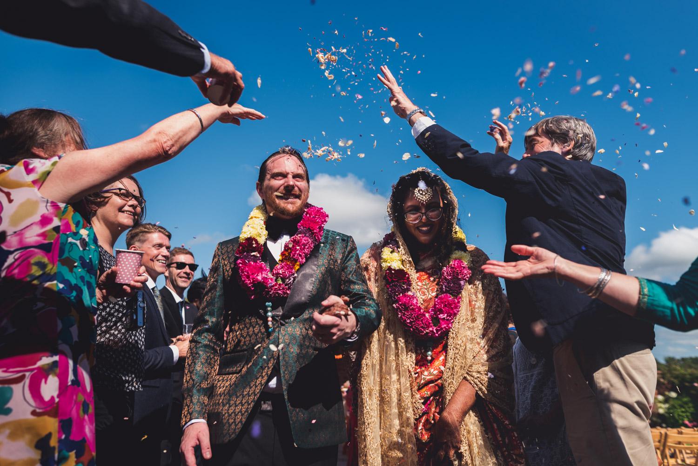 Bengali wedding at Upton Barn confetti